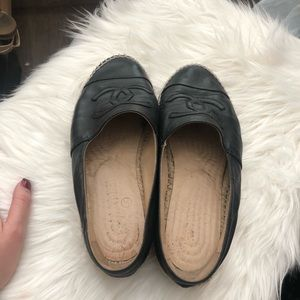 738a27d05f1 Chanel shoes size 36 but will fit a size 37